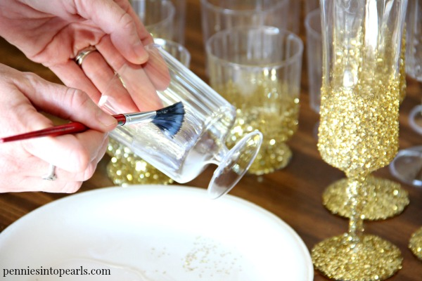 Diy Dollar Store Party Decor Ombre Glitter Vase Centerpiece