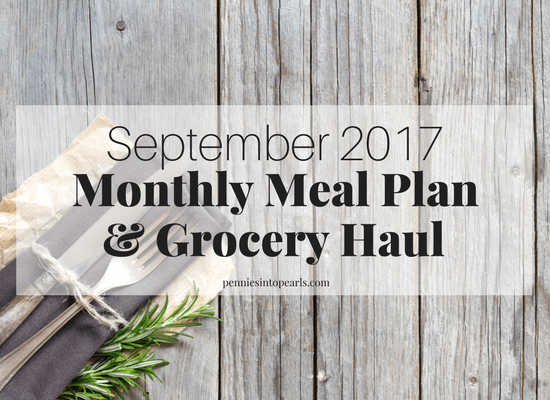 19 quick and easy dinner recipes helping make back to school season less stressful! A FREE PRINTABLE monthly meal plan full of quick and easy dinner ideas that even your picky eater will love! Plus, every easy dinner recipe in this meal plan on a budget will help you save money!