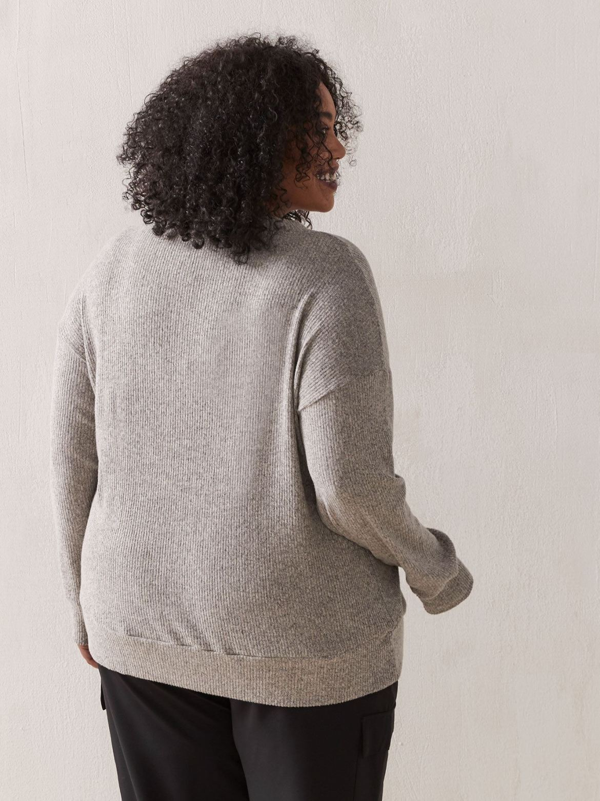 Long Sleeve V-Neck Top - In Every Story