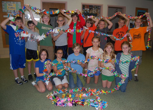 fourth grade students at Conestoga Elementary made 1000 paper cranes