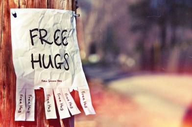 El mundo  necesita un abrazo, ya