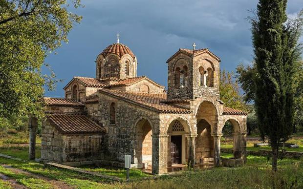 εκκλησία στη Σαμαρίνα