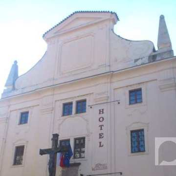 Hotel u staroj crkvi na Hradčanima u Pragu