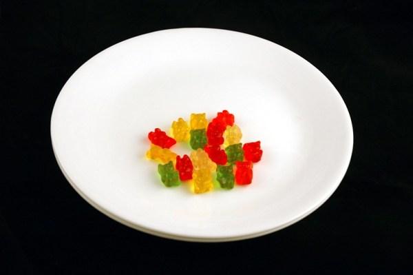 gumene bombone - 51 gram = 200 kalorija
