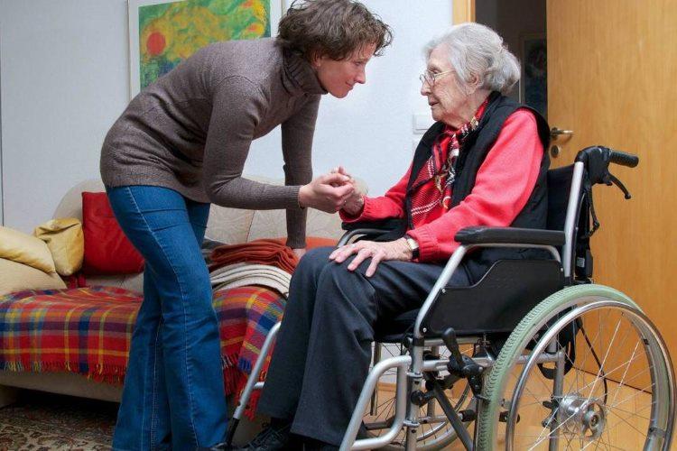 Briga o starima u njihovom domu – važne stvari koje treba zapamtiti
