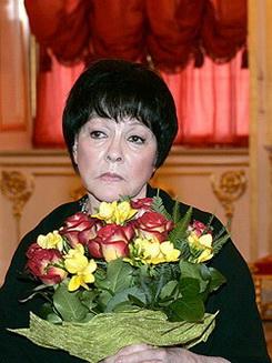 Белла Ахатовна Ахмадулина биография, Семья
