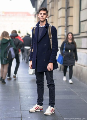 CUTE GUY, NICE STYLE: PEA COAT AND A BACKPACK