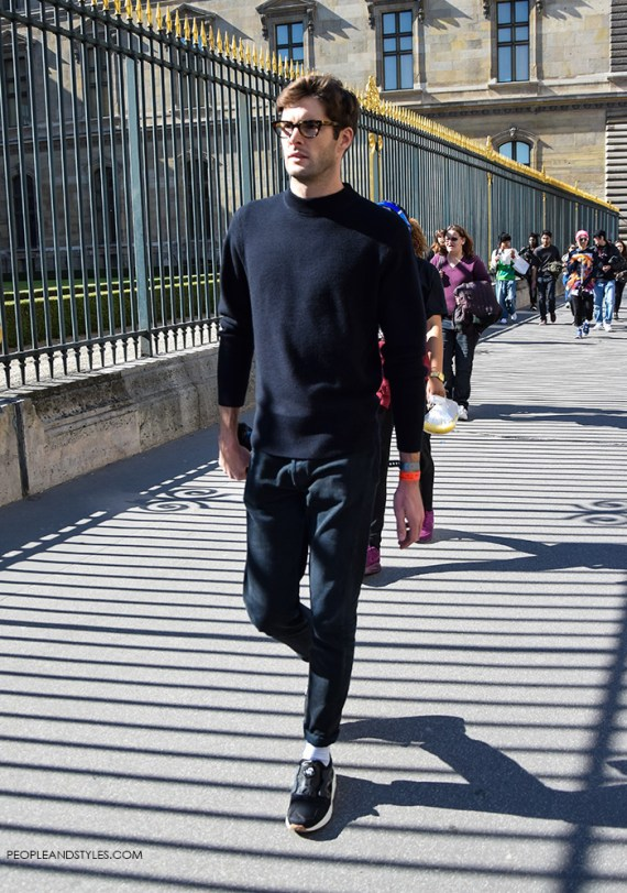 Get the look: All Black Look for Men with Sneakers by PeopleandStyles.com #streetstyle #mensfashion
