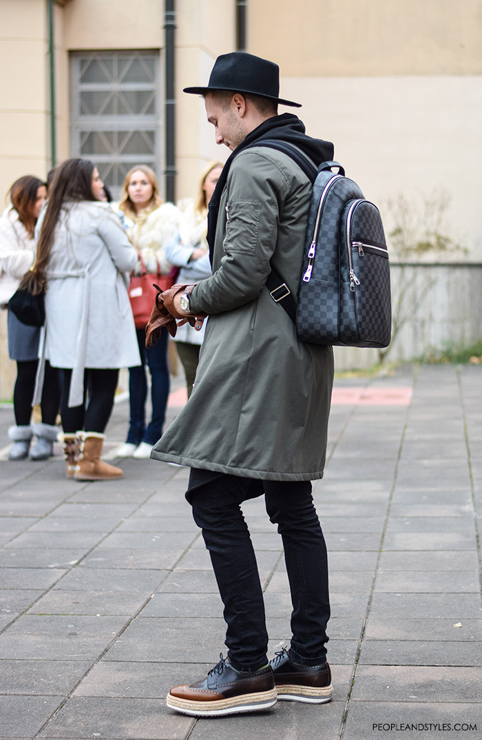 Men's fashion, how to wear longer bomber jacket, hat and backpack, street style casula outfit inspiration