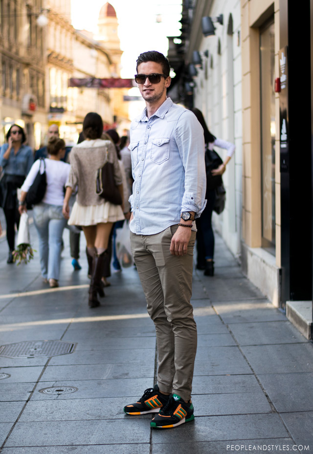 Daily Style: Chinos, Denim Shirt and Sneakers