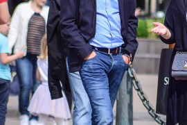 Street Fashion: Outfits Men Wear With Sneakers