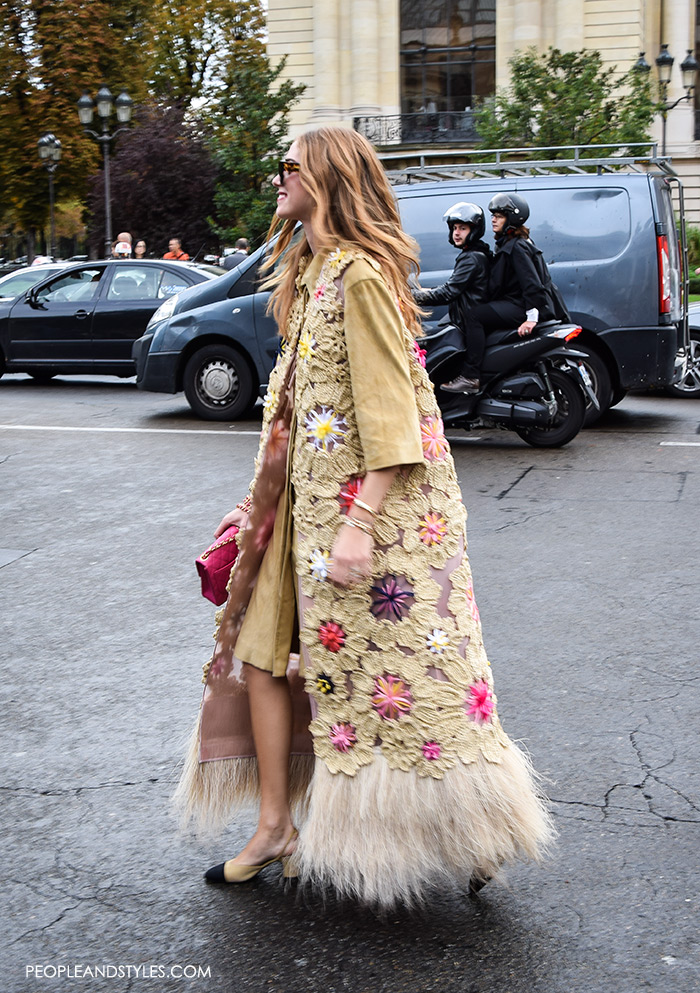 Chiara Ferragni wearing Chanel Granny Slingbacks, They are Wearing Chanel Granny Slingbacks. Street style outfits from Paris Fashion Week, Pinterest paris people street images