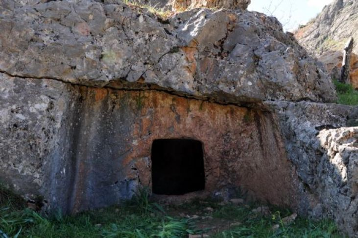 Ancient cave dwelling found at the sight