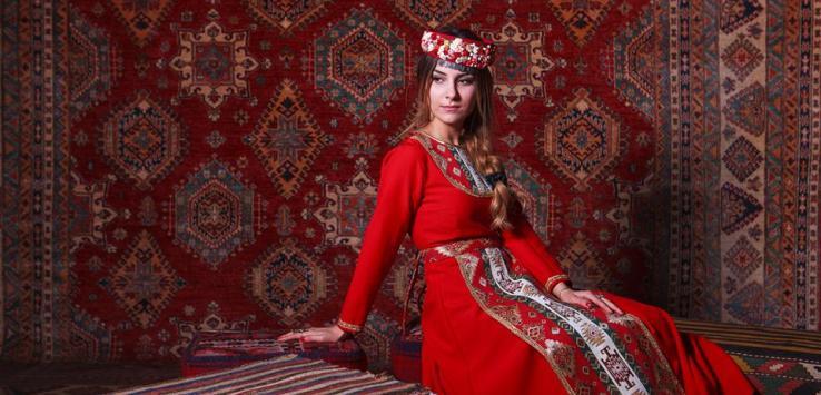 Karmir Vordan Armenian Garment