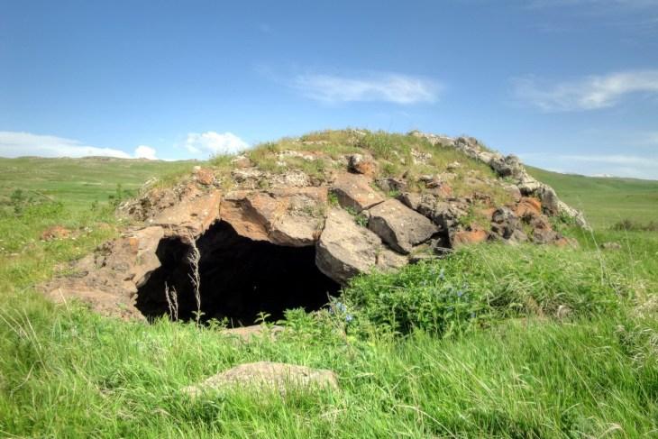 Lernanist (Surbi, Aphrey) cave
