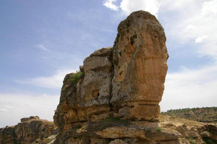Ruins at Eğil near the river Tigris