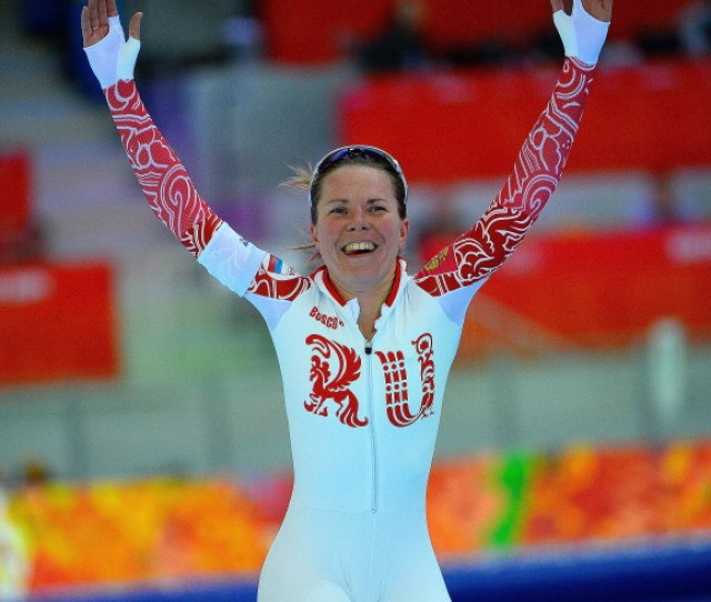 This Olympic Speed Skater Suffered From An Embarrassing Wardrobe Malfunction As She Was Celebrating Her Performance