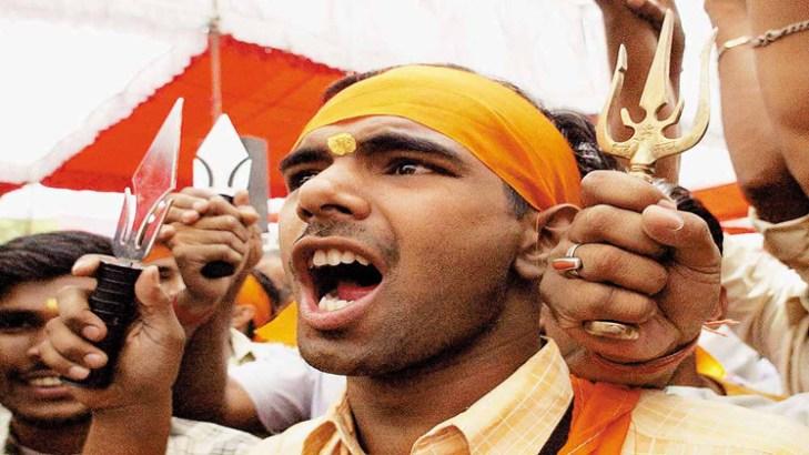 Hindutva fascists openly threatens Muslim people