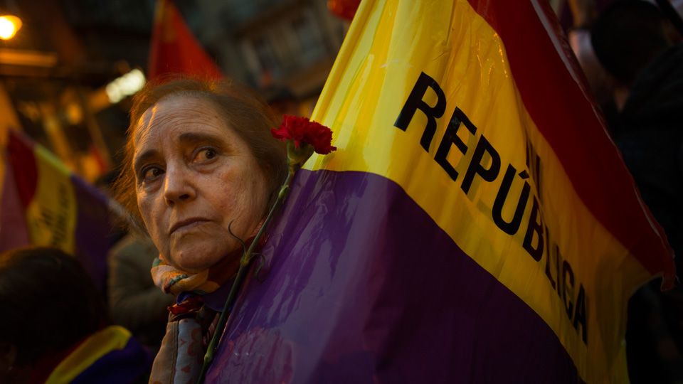 Spanish Communists: A federal, social republic can solve Catalan crisis