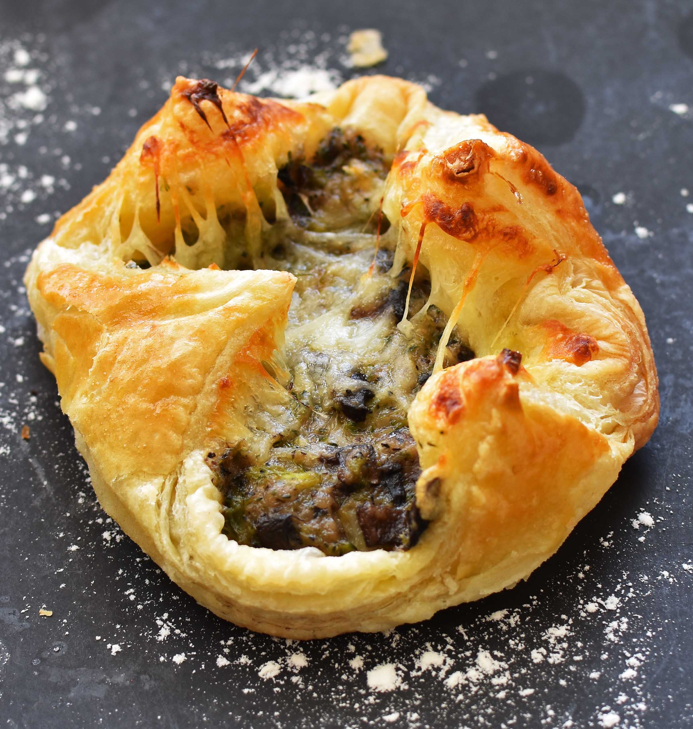pepper-delight-mushroom-broccoli-puffs-4