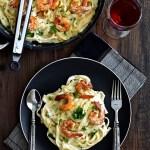 Shrimp Fettuccine Alfredo - Pepper Delight #pepperdelightblog #alfredosauce #pasta #fettuccine #shrimp #bechamel #italian #shrimpfettuccine #shrimpalfredo #dinner #garlicfettuccine #frenchcooking