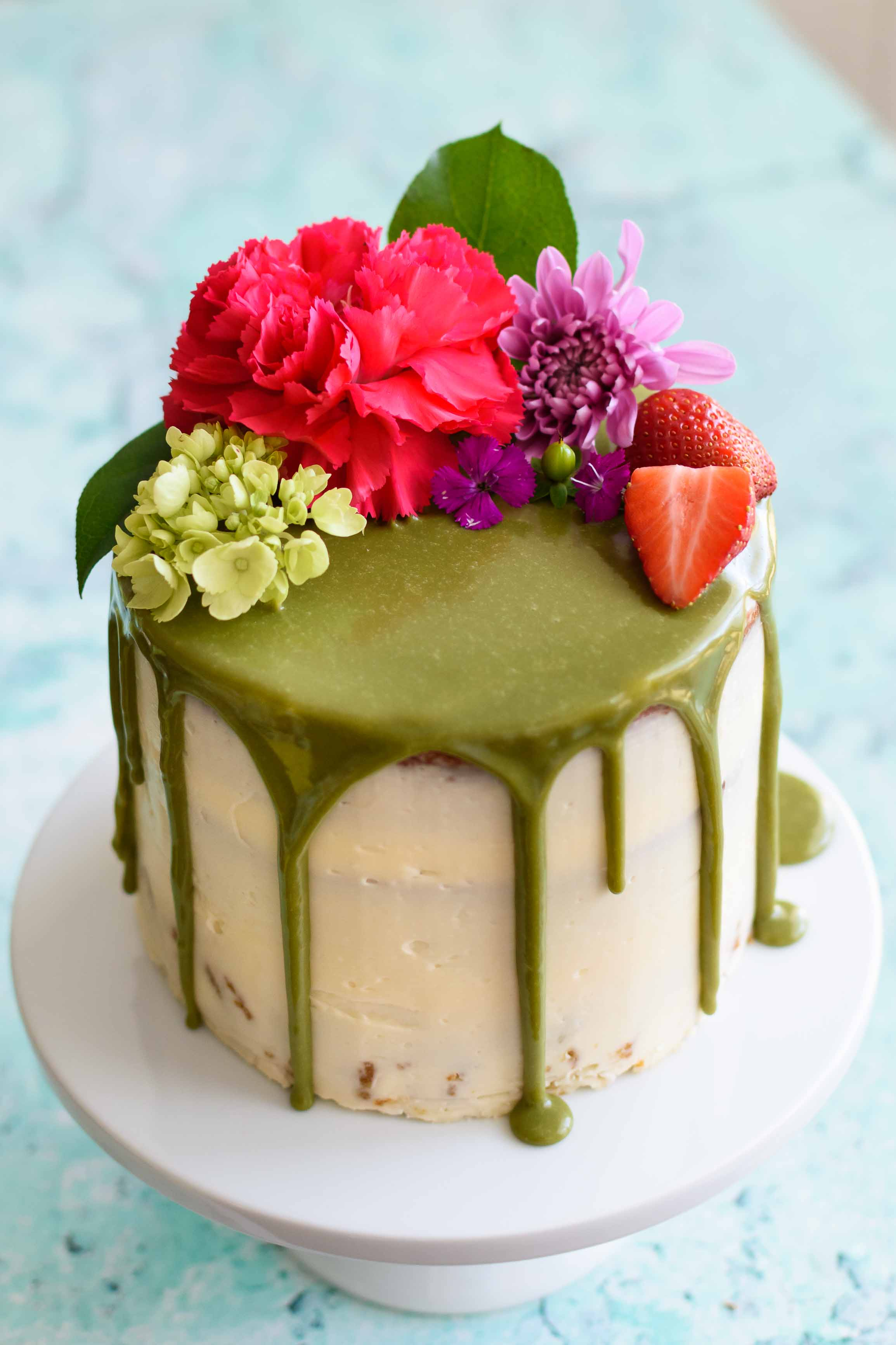 Stupendous Matcha Cake With Buttercream Frosting And White Chocolate Matcha Birthday Cards Printable Benkemecafe Filternl