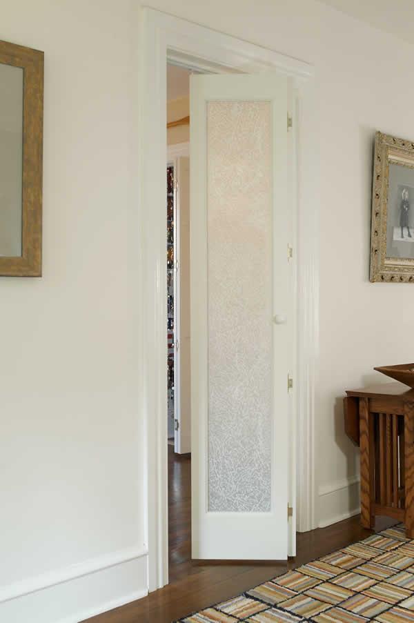 Pinecroft Le Elegance Fern Leaf Frosted Glass Bifold Door