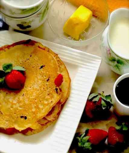 Easy Strawberry Buttermilk Pancakes