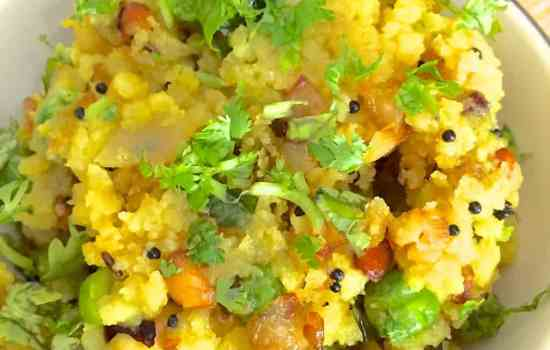 Poha with peas and peanuts