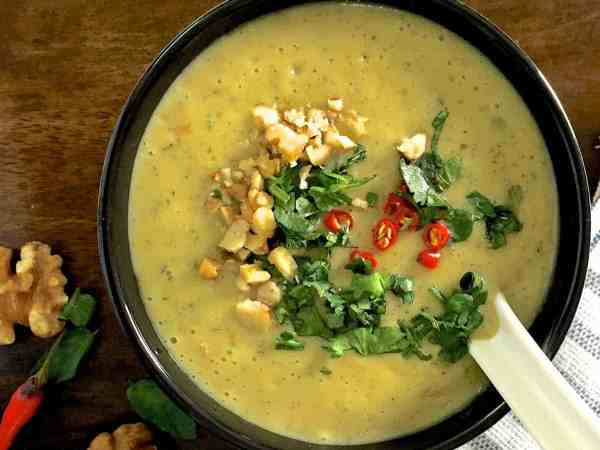 Easy and flavourful curried chilli zucchini soup with herbs and a touch of fresh chilli with turmeric and walnuts to add extra health and nutrition.