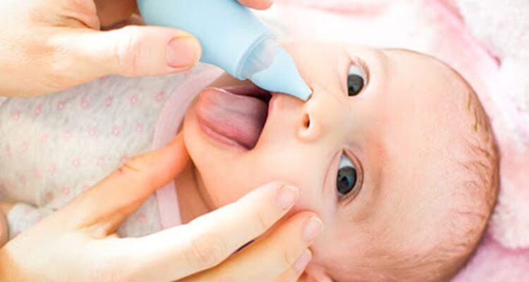 aspirar fosas nasales mocos en bebés