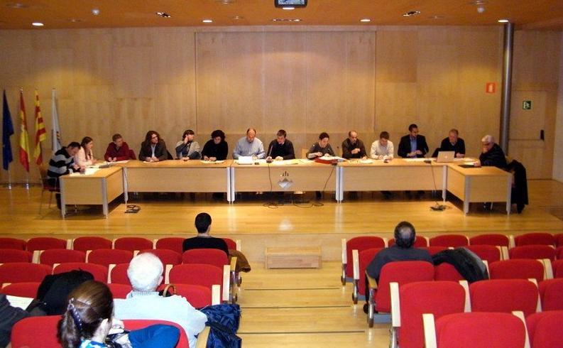 Montmeló aprova la moció pel soterrament del tren, sense ICV