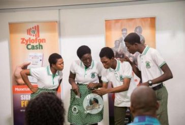Zylofon Cash funds Akwamuman SHS Drama Club with $10,000.00 to trip South Africa