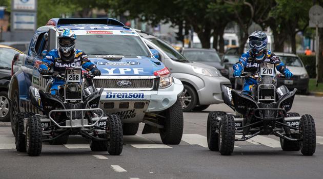 YPF presentó sus equipos para el Dakar 2015