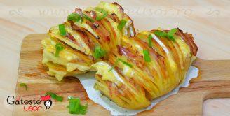 Cartofi acordeon cu Bacon si Cascaval