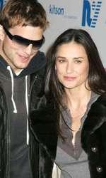 Ashton Kutcher, şi Demi Moore