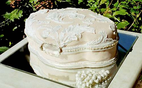 The Piping On Cake Replicates Look Of Branches In A Neutral Way