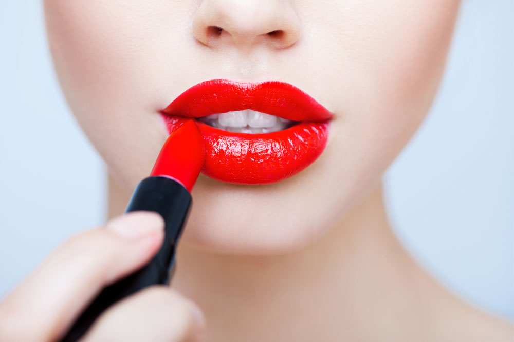 How to choose the perfect red lipstick for the holidays
