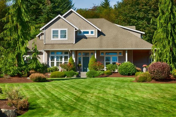 Top 6 Ways To Improve Your Home's Curb Appeal