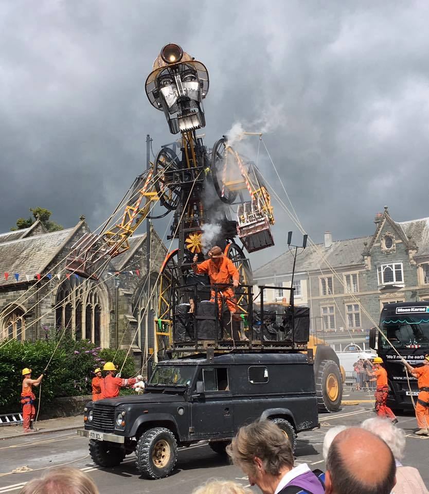 Man Engine Tavi