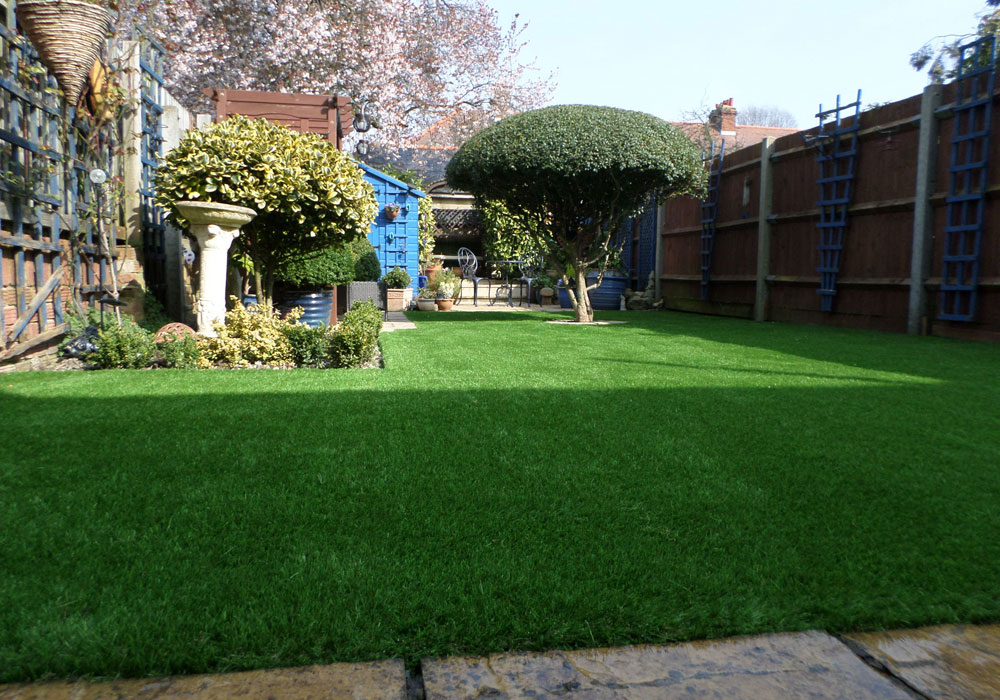 Urban Garden Ideas on a Budget I Perfect Grass Ltd on Garden Design Ideas On A Budget  id=56228