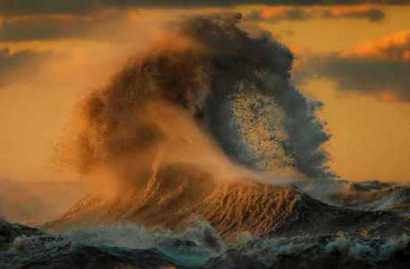 large-scary-waves-ocean-lake-erie-dave-sandford-14