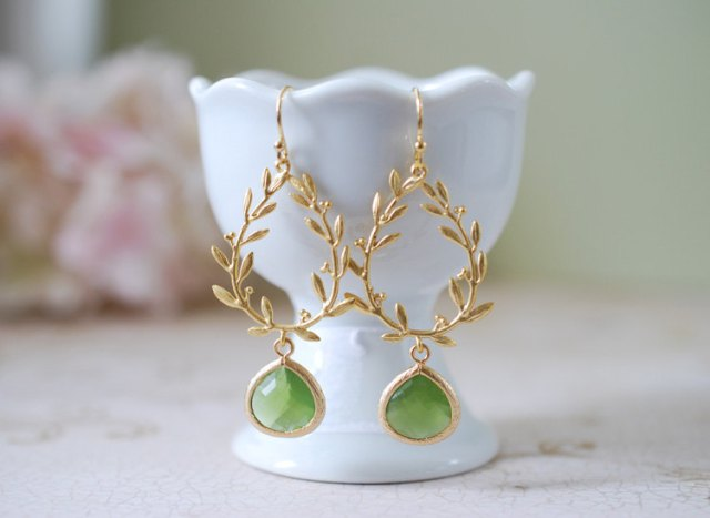 bridesmaid gifts_ earrings