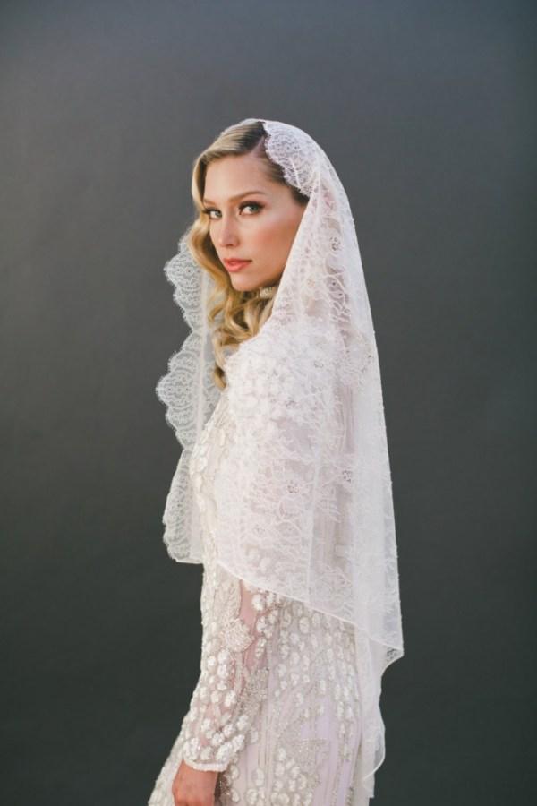 lace mantilla wedding veil