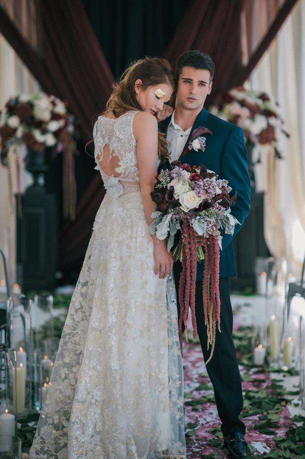 Moody Dark Romance Wedding Inspiration Shoot (9)