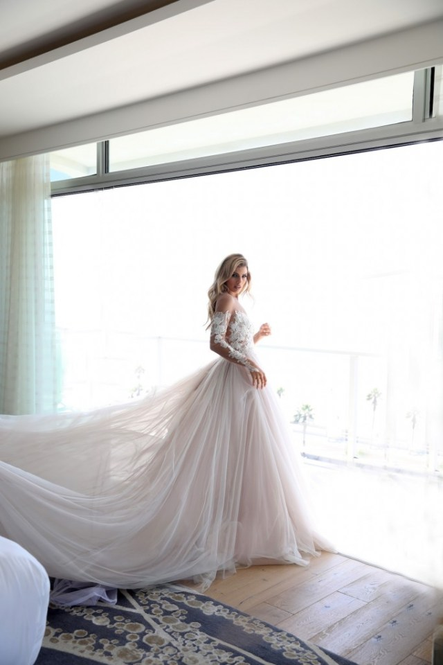 erin-cole-wedding-dresses_-ava-gown-4
