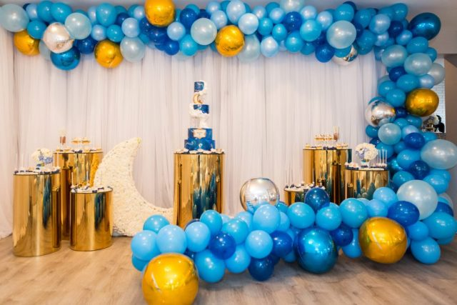blue and gold balloon display