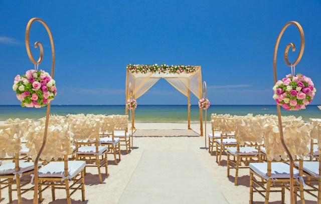 Destination Wedding Ceremony at the Royalton Cancun