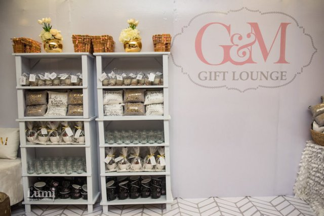 wedding favor gift lounge
