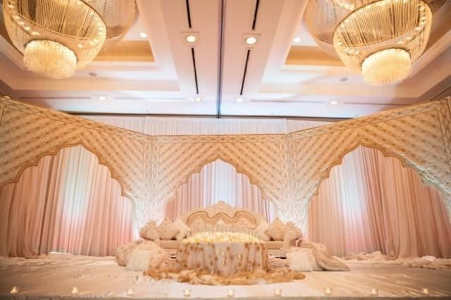 Classic+Ballroom+Wedding+by+Inije+4.jpg